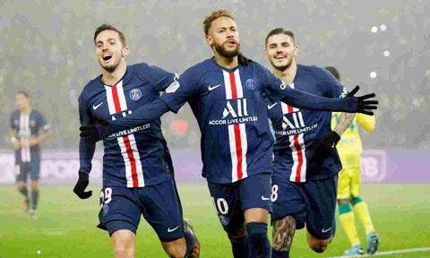Neymar (giữa) và đồng đội sẽ được ăn mừng chiến thắng