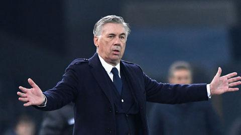 Ancelotti bị sa thải ngay sau khi cùng Napoli thắng 4-0