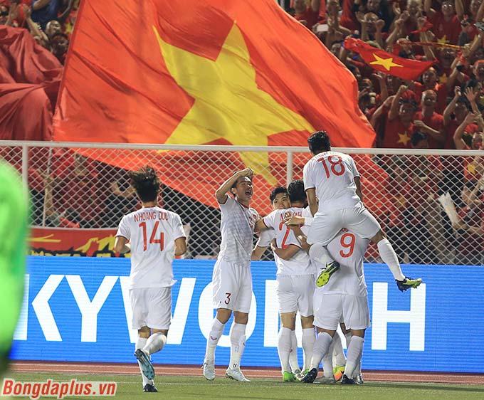 U22 Việt Nam đã tiến gần đến tấm huy chương vàng khi tạo ra cách biệt 2 bàn với đối thủ.
