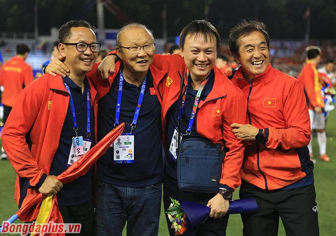Ekip hỗ trợ của HLV Park Hang Seo tại SEA Games 2019.