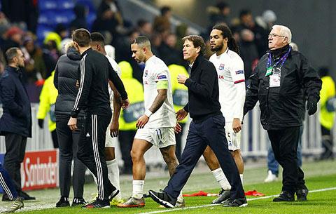 Lyon kết thúc hiệp 1 đầy thất vọng