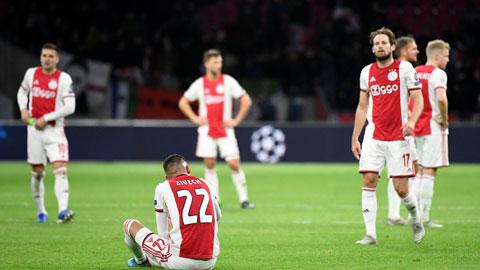 Thất bại trên sân nhà khiến Ajax bị loại ngay từ vòng bảng