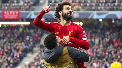 Các cầu thủ Liverpool chia vui sau chiến thắng