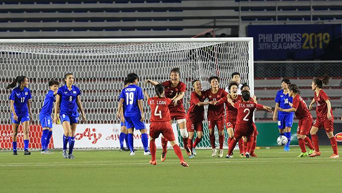 ĐT nữ Việt Nam thắng ĐT nữ Thái Lan trong cả 2 trận chung kết liên tiếp trong năm 2019. Ảnh: Đức Cường