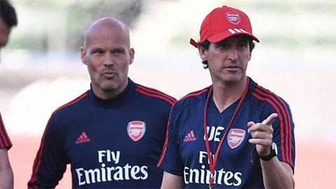 HLV Emery không phải là vấn đề duy nhất của Arsenal