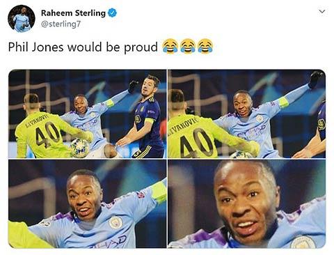 """Sterling tự """"dìm hàng"""" của mình trên mạng"""