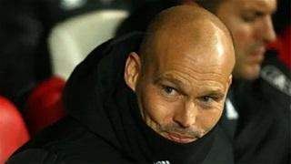 HLV Ljungberg cảm thấy có lỗi với cầu thủ Arsenal