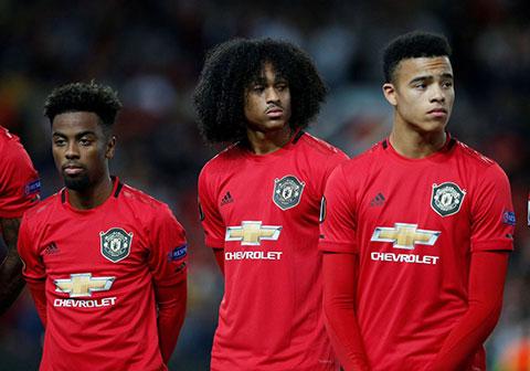 Pogba kêu gọi các đàn em trẻ cố gắng thể hiện mình khi có cơ hội