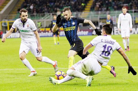 Inter (áo sẫm) sẽ nối dài mạch toàn thắng trên sân khách bằng cách lấy 3 điểm tại sân Artemio Franchi