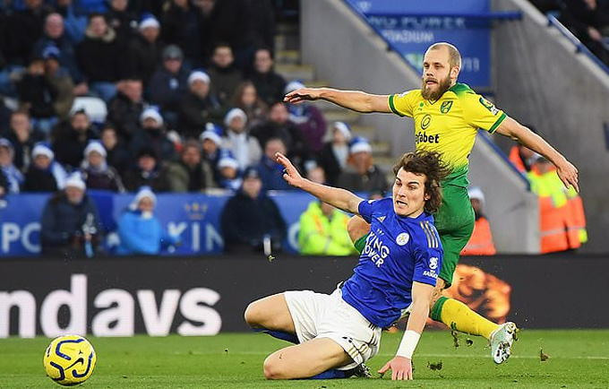 Pukki là người gieo sầu cho Leicester trận này