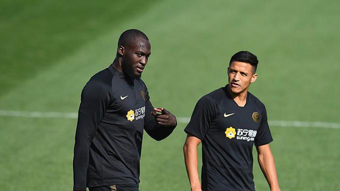 Lukaku và Sanchez đã rời M.U