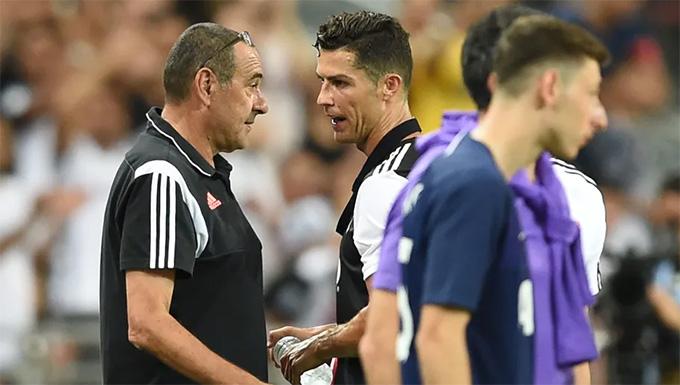 Ronaldo bức xúc vì bị thay ra