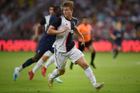 Áp lực quá lớn khiến De Ligt từng vài lần trực tiếp mắc lỗi dẫn tới bàn thua cho Juventus
