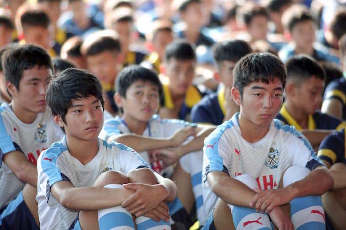 Thời tiết nóng bức khiến các cầu thủ trẻ NHật Bản khá mệt mỏi - Ảnh: Quốc An