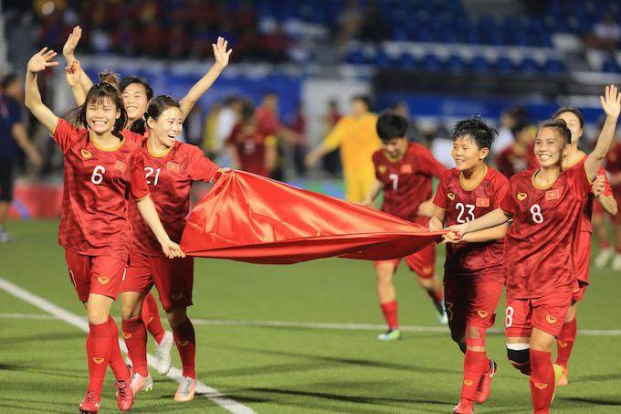 Đội nữ Việt Nam được đề nghị trao tặng Huân chương Lao động hạng Nhì. Ảnh: Đức Cường