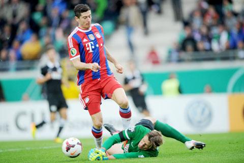 Điểm tựa sân nhà sẽ giúp Lewandowski và đồng đội vượt qua Wolfsburg