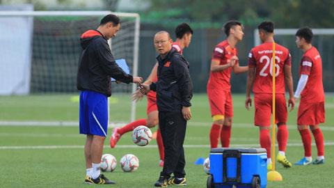 U23 Việt Nam tích cực tập luyện: Chờ bộ khung của HLV Park Hang Seo