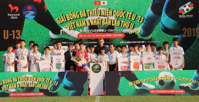 Các cầu thủ Kawasaki Frontale giành HCB - Ảnh: Quốc An