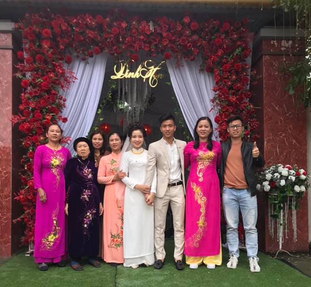 Rất nhiều lời chúc phúc được gửi đến gia đình cô dâu và chú rể.