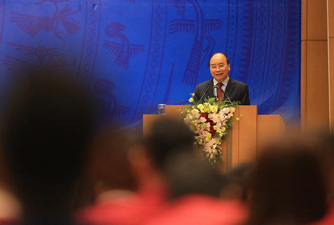 """Thủ tướng bày tỏ: """"Khát vọng Việt Nam như vậy không chỉ trong thể thao mà tôi nghĩ phải lan tỏa ra trong phát triển kinh tế - xã hội đất nước thời gian tới"""""""