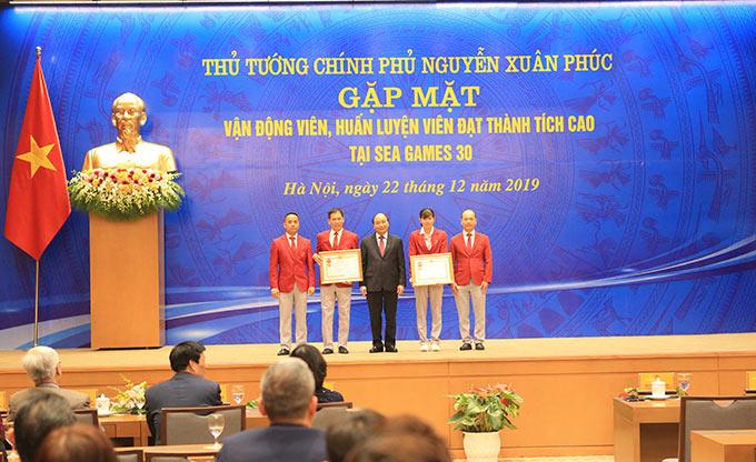 Đoàn thể thao Việt Nam và VĐV Nguyễn Thị Ánh Viên được trao tặng Huân chương Lao động Hạng Nhất