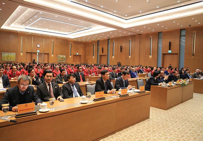 Phó Thủ tướng Vũ Đức Đam cùng lãnh đạo Văn phòng Chính phủ; các Bộ, Ban, Ngành tới dự buổi gặp mặt