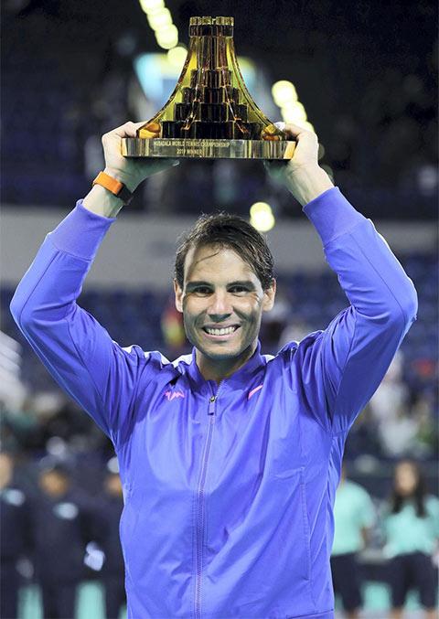 Nadal lần thứ 5 vô địch Mubadala World Tennis Championship