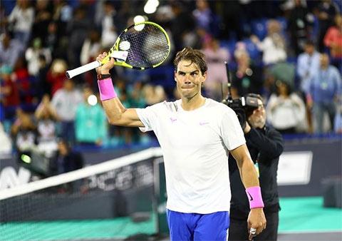 Nadal ngược dòng đánh bại Tsitsipas trong trận chung kết Mubadala World Tennis Championship 2019