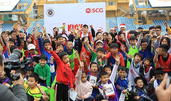 Một buổi sáng ý nghĩa của những ngôi sao của Hà Nội FC và ĐTQG Việt Nam