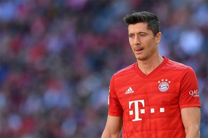 Lewandowski thiếu 1 bàn thắng để sánh ngang với Messi, Ronaldo và Kane