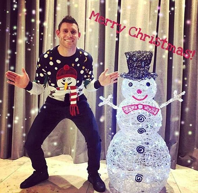 Mr Đa năng, James Milner (Liverpool) tạo dáng giống người tuyết