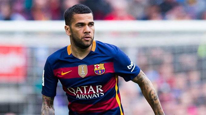 Alves đã cùng Barca giành 23 danh hiệu lớn nhỏ