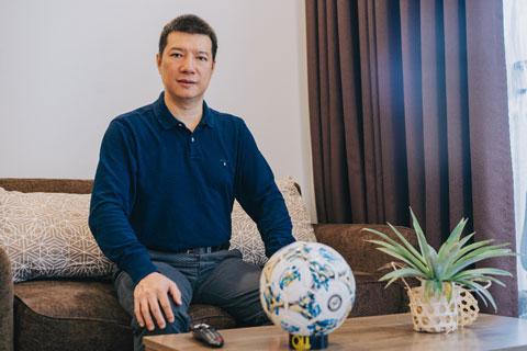 Trực tiếp trải nghiệm TV LG OLED mùa SEA Games vừa qua, BLV Quang Huy đánh giá đây là TV tốt nhất để xem bóng đá, thể thao