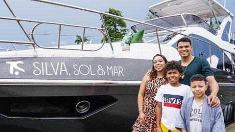 Thiago Silva chi 1,3 triệu USD mua du thuyền tặng vợ