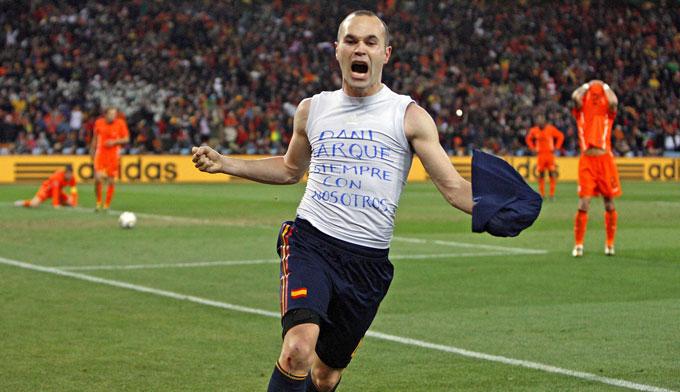 Thập kỷ 2010 mở đầu bằng sự thống trị của bóng đá Tây Ban Nha
