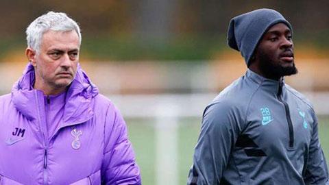 Mourinho lo cho Kane, chê bai Ndombele dù cùng chấn thương