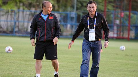 Phó Chủ tịch VFF Trần Quốc Tuấn thăm và động viên U23 Việt Nam