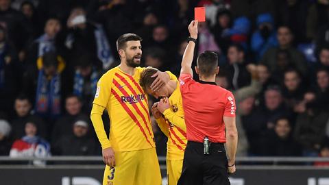 De Jong nhận thẻ đỏ đầu tiên tại Tây Ban Nha