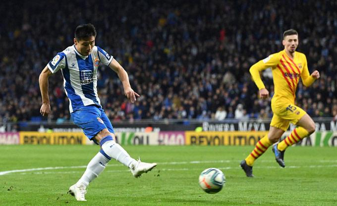 Chơi thiếu người, Barca đã để Espanyol gỡ hòa trong những phút cuối
