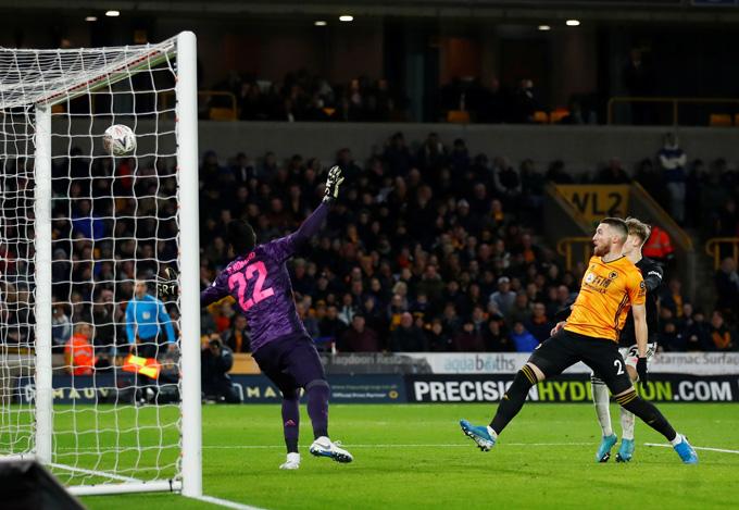 Doherty đưa được bóng vào lưới M.U nhưng không được công nhận do để bóng chạm tay