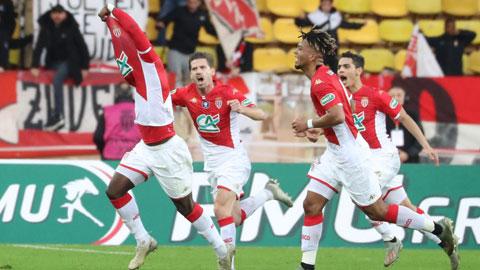 Các cầu thủ Monaco ăn mừng chiến thắng trước Reims ở Cúp QG trong ngày ra mắt của HLV Moreno