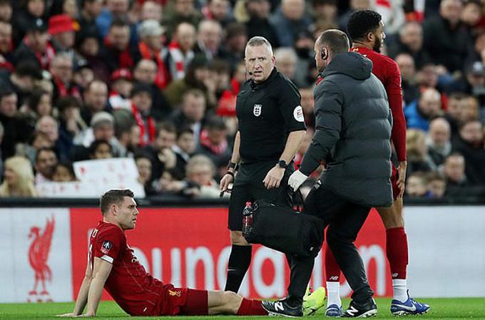 Chấn thương của Milner khiến BHL Liverpool lo lắng