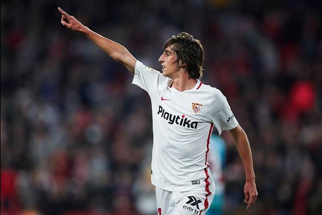43.Bryan Gil (sinh năm 2001 - CLB Sevilla): Cầu thủ chạy cánh người Tây Ban Nha chưa được sử dụng nhiều ở mùa giải 2019/20. Tuy nhiên, Gil vẫn gây được ấn tượng với 1 bàn và 1 kiến tạo sau 4 trận tại giải VĐQG Tây Ban Nha.