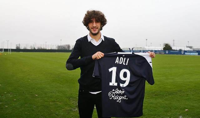 50.Yacine Adli (sinh năm 2000 - CLB Bordeux): Chàng tiền vệ người Phápcao 1m86đang chơi rất hay tại Ligue 1 2019/20 trong vai trò tiền vệ tấn công. Adli bây giờ đang có 3 bàn và 3 kiến tạo sau 14 trận tại Ligue 1