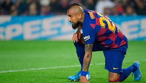 Bất chấp vụ kiện cáo, Barcelona vẫn không muốn để Arturo Vidal ra đi.