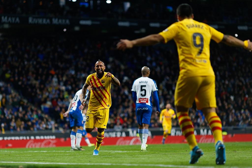Vidal và Suarez, 2 cơn lốc xoáy ở Barca
