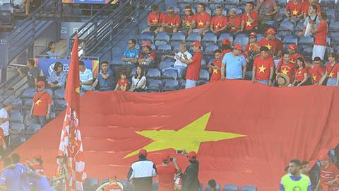 CĐV U23 Việt Nam 'nổi sấm' ở 'Lâu đài sấm sét' Chang Arena
