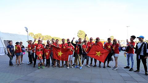 Các CĐV đến từ Việt Nam. Ảnh: Minh Tuấn