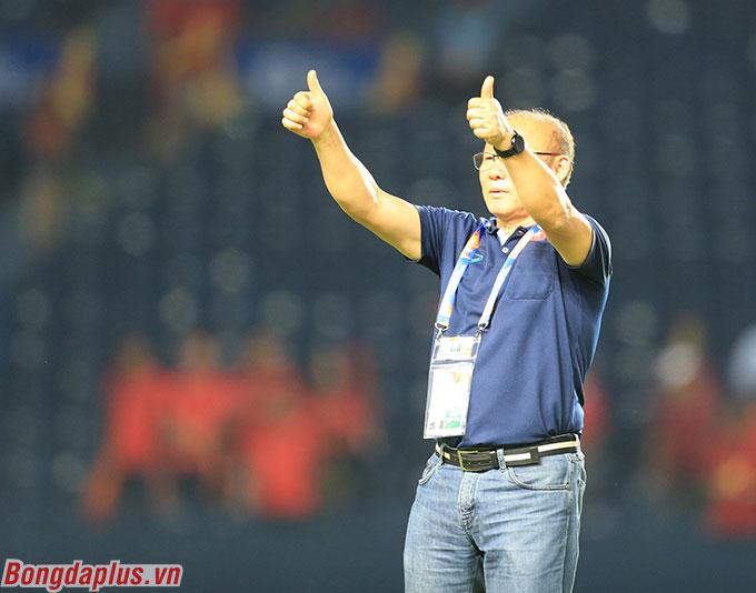 Ông Park hài lòng với 1 điểm - Ảnh: Minh Tuấn