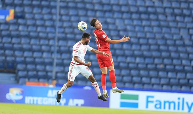 Bùi Hoàng Việt Anh lần đầu tiên đá chính trong màu áo của U23 Việt Nam - Ảnh: Minh Tuấn